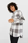 Kadın Açık Gri Oversize Kareli Gömlek 08156220