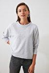 Gri Reglan Kol Basic Örme Sweatshirt TWOAW20SW0055