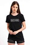 Days Gone Logo Baskılı Siyah Kadın Örme Tshirt