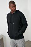 Siyah Erkek Regular Fit Kapüşonlu Kanguru Cepli Uzun Kollu Sweatshirt TMNAW20SW0162