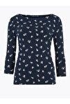 Kadın Lacivert Desenli Kayık Yaka T-Shirt T41004200