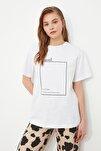 Beyaz Baskılı Boyfriend Örme T-Shirt TWOSS20TS0755