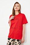 Kırmızı Baskılı Boyfriend Örme T-Shirt TWOSS20TS0755