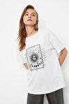 Beyaz Baskılı Boyfriend Örme T-Shirt TWOSS20TS0247