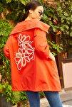 Kadın Turuncu Sırtı Çiçek Baskılı Mevsimlik Ceket Arm-20K024030
