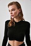 Siyah Büzgülü Crop Örme Bluz TWOAW20BZ0505