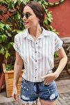 Kadın Mavi Çizgili Kısa Kol Gömlek ARM-19Y001067
