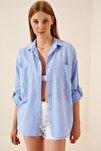 Kadın Mavi Cepli Keten Viskon Hafif Oversize Gömlek US00535