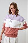Lila Renk Bloklu Kapüşonlu Şardonlu Basic Örme İnce Sweatshirt TWOAW20SW0792