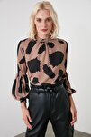 Kahverengi Kol Detaylı Bluz TWOAW20BZ0130