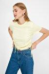 Sarı Büzgülü Basic Örme T-Shirt TWOSS21TS0131