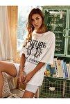 Beyaz Kadın Future Baskılı Oversize Tshirt