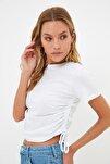 Beyaz Büzgülü Basic Örme T-Shirt TWOSS21TS0131