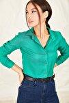 Kadın Yeşil Uzun Kollu Düz Gömlek ARM-19K001200
