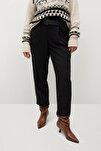 Kadın Siyah Daralan Kısa Paçalı Pantolon 77067110
