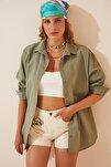 Kadın Çağla Yeşili Oversize Uzun Basic Gömlek DD00842