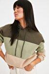 Haki Renk Bloklu Şardonlu Basic Örme İnce Sweatshirt TWOAW20SW0792