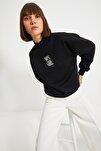 Siyah Nakışlı Basic Örme Sweatshirt TWOAW21SW0019