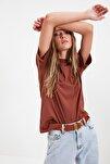 Kahverengi Dik Yaka Basic Örme T-Shirt TWOAW20TS0096