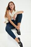 Lacivert Paçası Kesikli Yüksek Bel Slim Fit Jeans TWOSS21JE0014