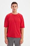 Kırmızı Basic Erkek Bisiklet Yaka Oversize Kısa Kollu T-Shirt TMNSS21TS0811