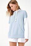 Kadın Mavi İçi Şardonlu Renk Bloklu Oversıze Kapşonlu Sweatsıhrt ALC-X4977