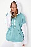 Kadın Mint İçi Şardonlu Renk Bloklu Oversıze Kapşonlu Sweatsıhrt ALC-X4977