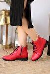 Kadın Kırmızı Bot