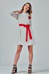 Kadın Beyaz Yakadan Bağlamalı Kesme Puantiyeli Şifon Elbise Je87546