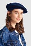 Fransız Ressam Lacivert Bere Şapka