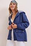 Kadın Lacivert Kapüşonlu Su Geçirmez Ceket ALC-X6986