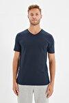 Lacivert Erkek Basic Slim Fit V Yaka Kısa Kollu T-Shirt TMNSS19BO0002