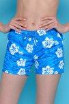 Kadın Mavi Çiçekli Deniz Şortu