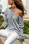 Kadın Gri Kayık Yaka Salaş Ajurlu İnce Örme Bluz GK-BST2977