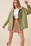 Kadın Çağla Yeşili Mevsimlik Gabardin Oversize Ceket DP00122