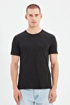 Siyah Basıc Erkek Slim Fit Pamuklu Kısa Kollu Bisiklet Yaka T-Shirt TMNSS19BO0001