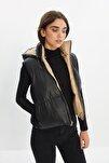 Siyah Çıkabilen Kapüşonlu Çift Yönlü Giyilebilir Şişme Yelek TWOSS21YE0034
