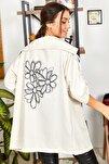 Kadın Krem Sirti Çiçek Baskili Mevsimlik Ceket ARM-20K024030