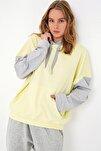 Kadın Sarı Şardonlu Renk Bloklu Oversıze Kapşonlu Sweatsıhrt ALC-X4977