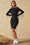 Kadın Siyah Dik Balıkçı Yaka Elbise