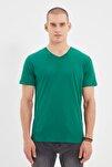 Yeşil Erkek Basic Slim Fit V Yaka Kısa Kollu T-Shirt TMNSS19BO0002