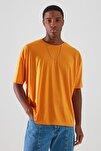 Turuncu Basic Erkek Bisiklet Yaka Oversize Kısa Kollu T-Shirt TMNSS21TS0811
