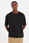 Siyah Basic Erkek Bisiklet Yaka Oversize Kısa Kollu T-Shirt TMNSS21TS0811