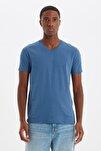Indigo Erkek Basic Slim Fit V Yaka Kısa Kollu T-Shirt TMNSS19BO0002
