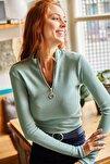 Kadın Çağla Yeşili Fermuarlı Balıkçı Yaka Likralı Bluz BLZ-19001155