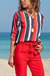 Kadın Lacivert-Kırmızı Yakası Yırtmaçlı Çizgili Krep Bluz GK-BST2841