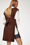 Kadın Kahverengi V Yaka Kuşaklı Uzun Triko Süveter US00185