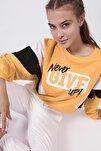 Kadın Yazılı Renk Bloklu Crop Sweatshirt Y20w166-0066