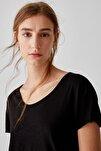 Kadın Siyah Biyeli Dikişli Basic T-Shirt 05236307