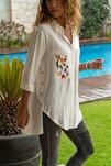 Kadın Ekru Cepleri Nakışlı Yanı Düğmeli Gömlek GK-AYN1715